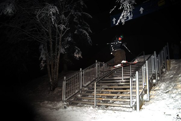 Double kinked handrail