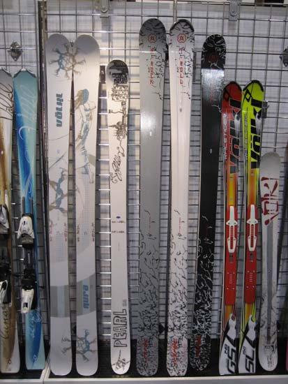 Volkl Women skis 08