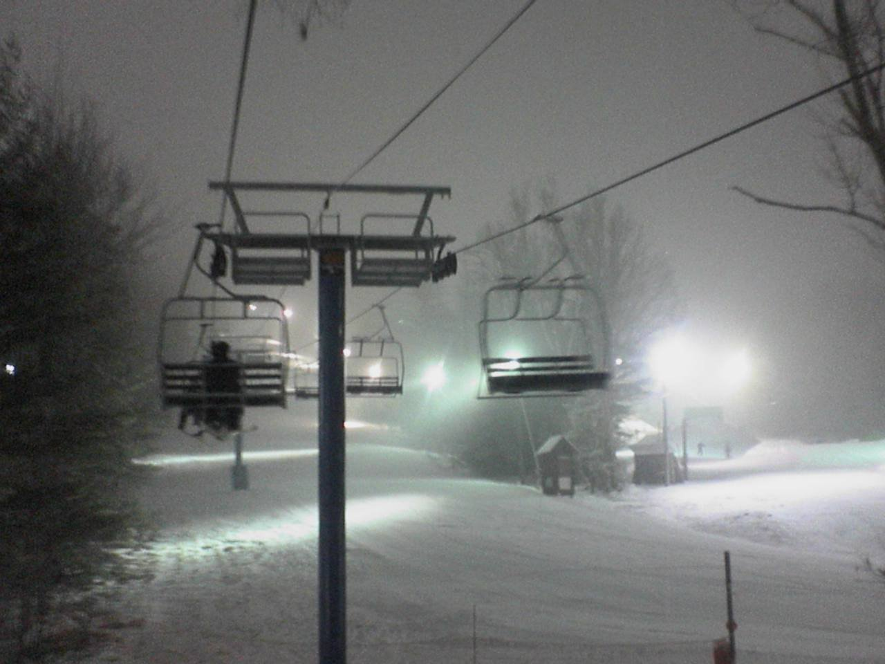 Yeahhh snowin at my mountain