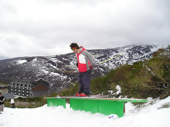 Campoo freestyle club table
