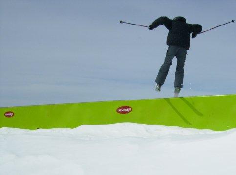 Skiing some box