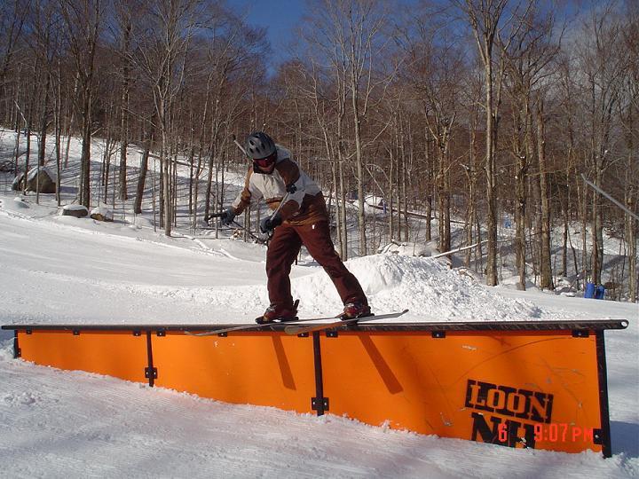 Up rail at loon