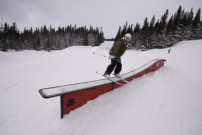 Skiing make me happy