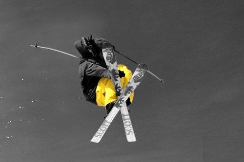 Yellow mute grab