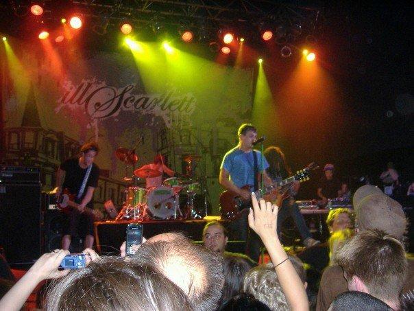 IllScarlett Concert