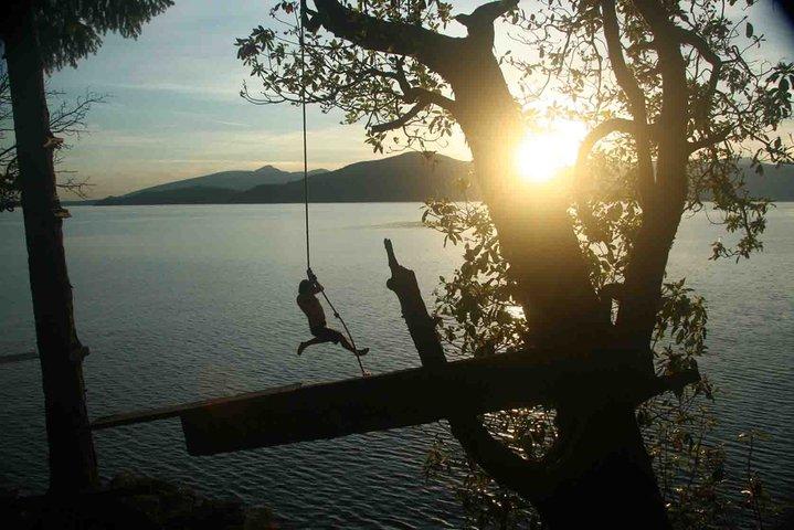 Rope swingin'