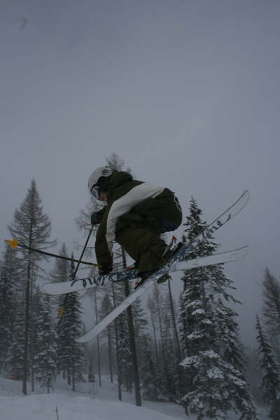 Crossing skis