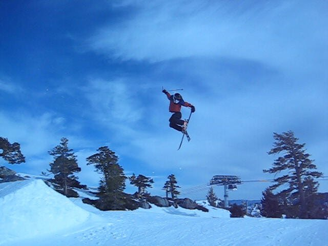 Weird jump... lost balance and had to hold back of ski?