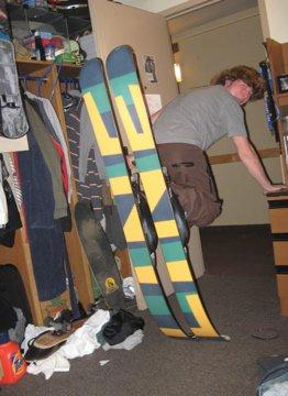 Dorm room tip stand
