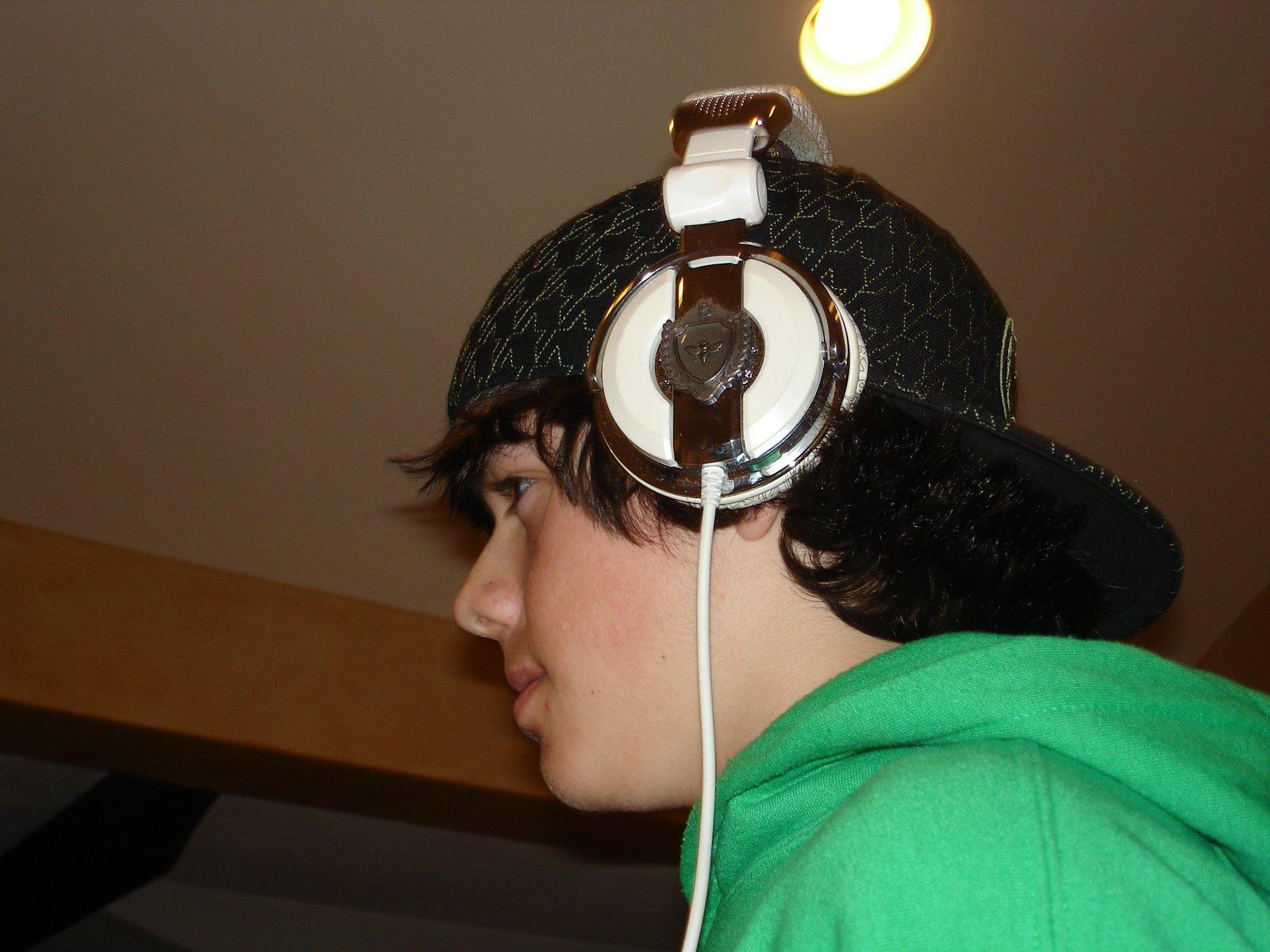 Burton headphones3