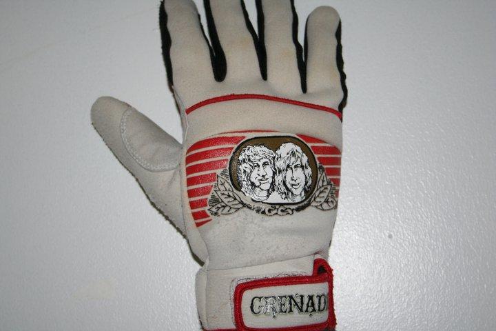 Dewbie Gloves