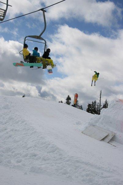 Skiing invitational