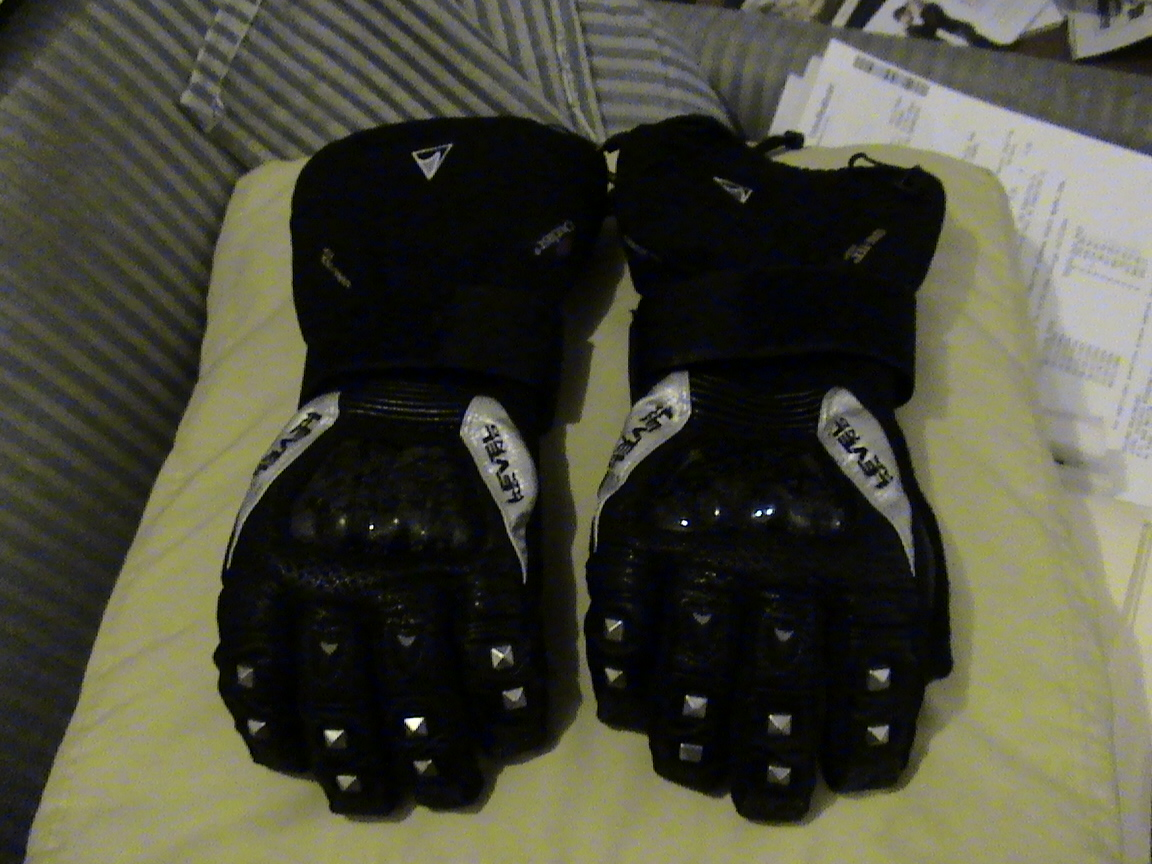 Level gloves for sale