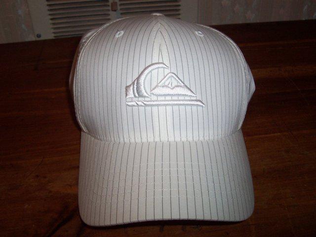 Quickslilver hat for sale