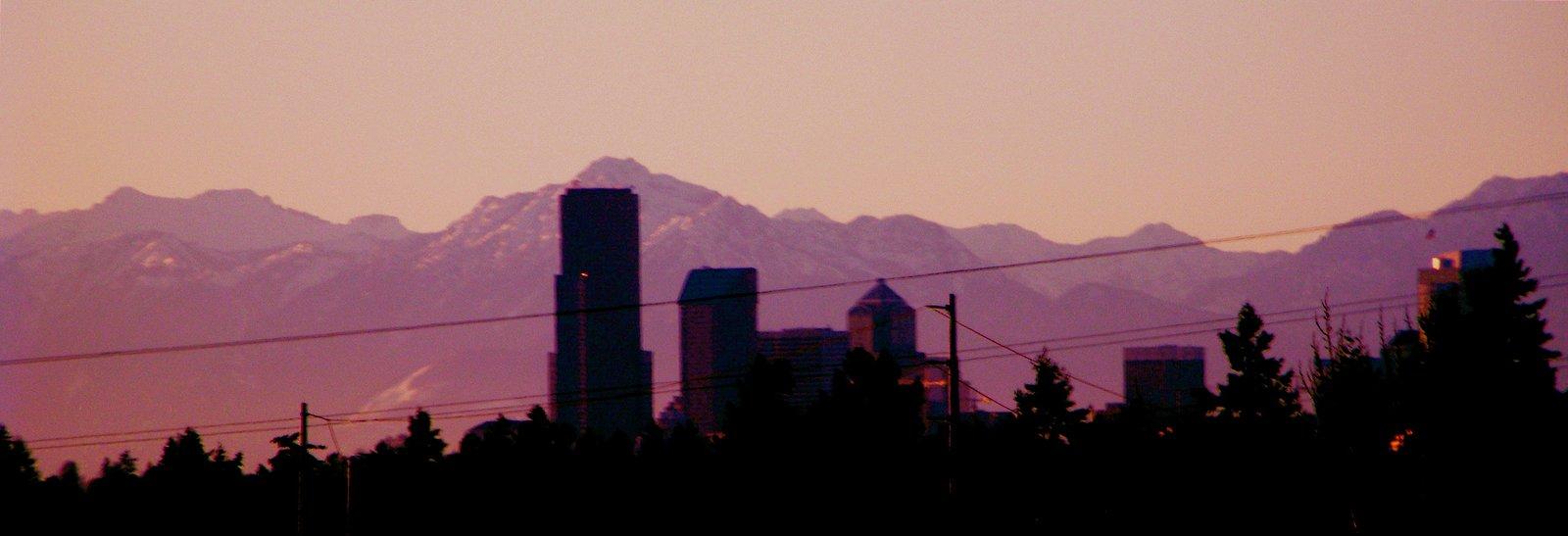 Seattle skyline against mountains