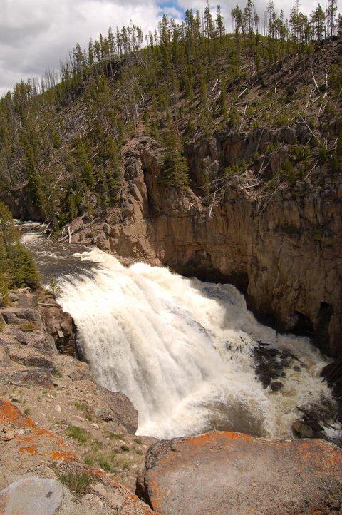 Yellowstone - 2 of 4