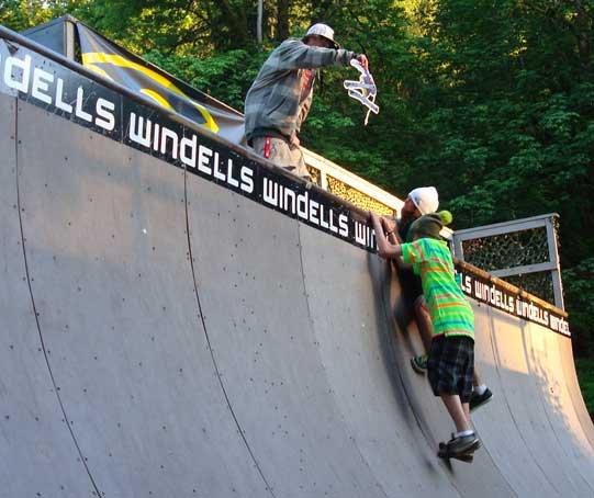 Windells Camp Prize Giveaway