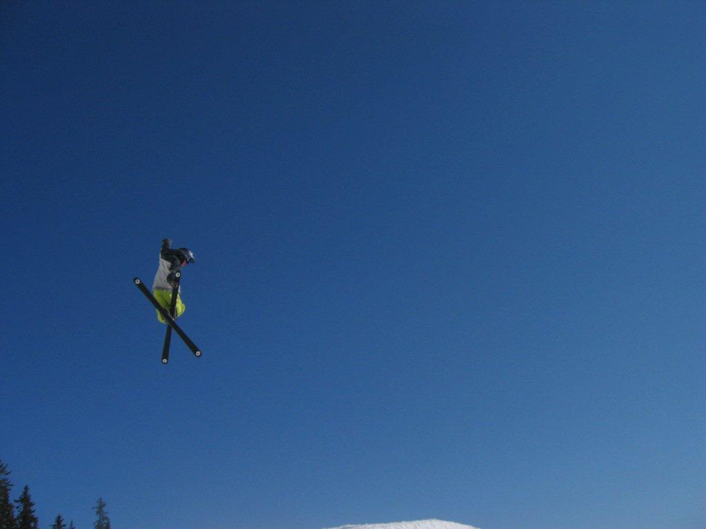 I jump