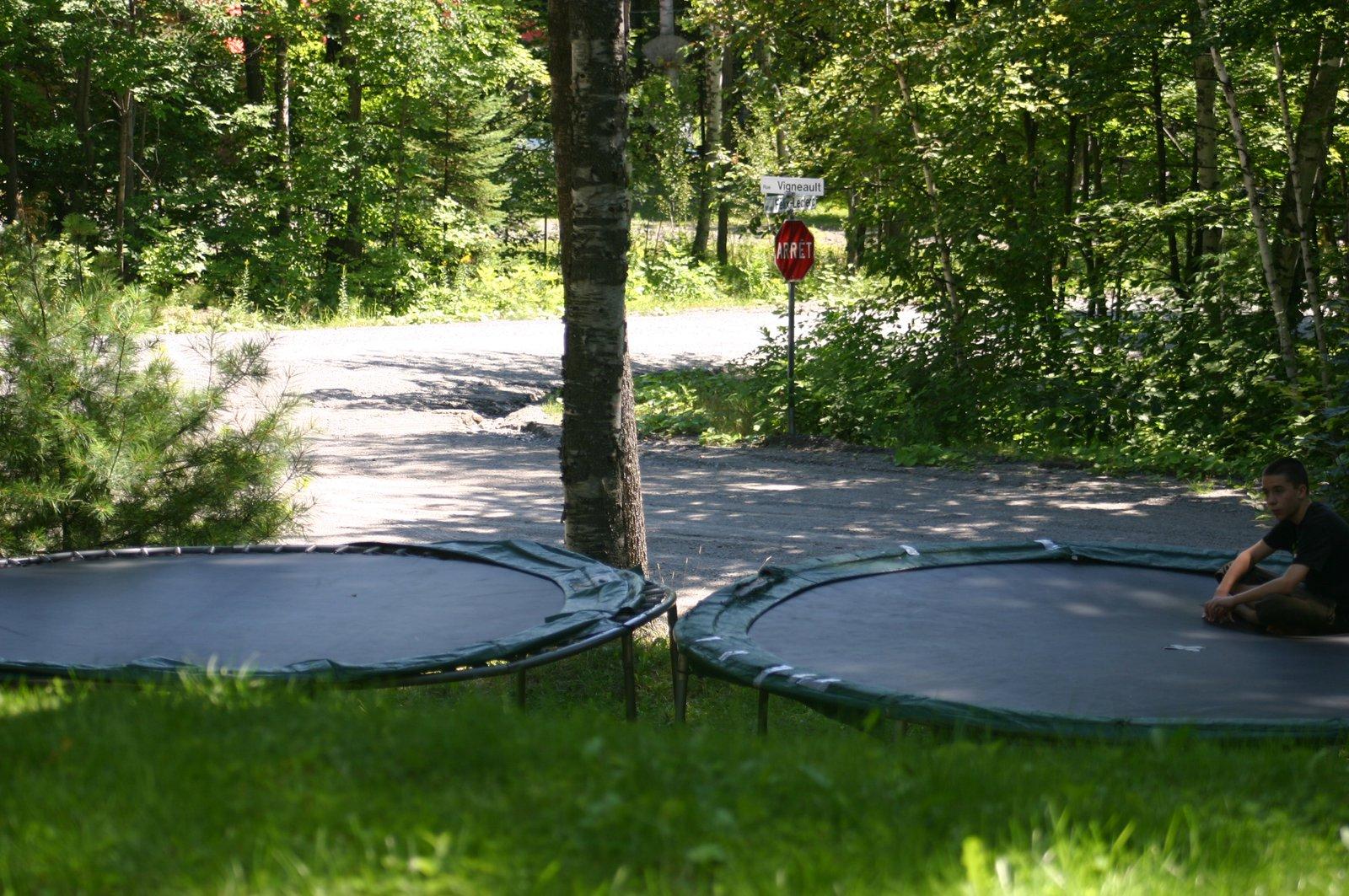 2 trampoline setup