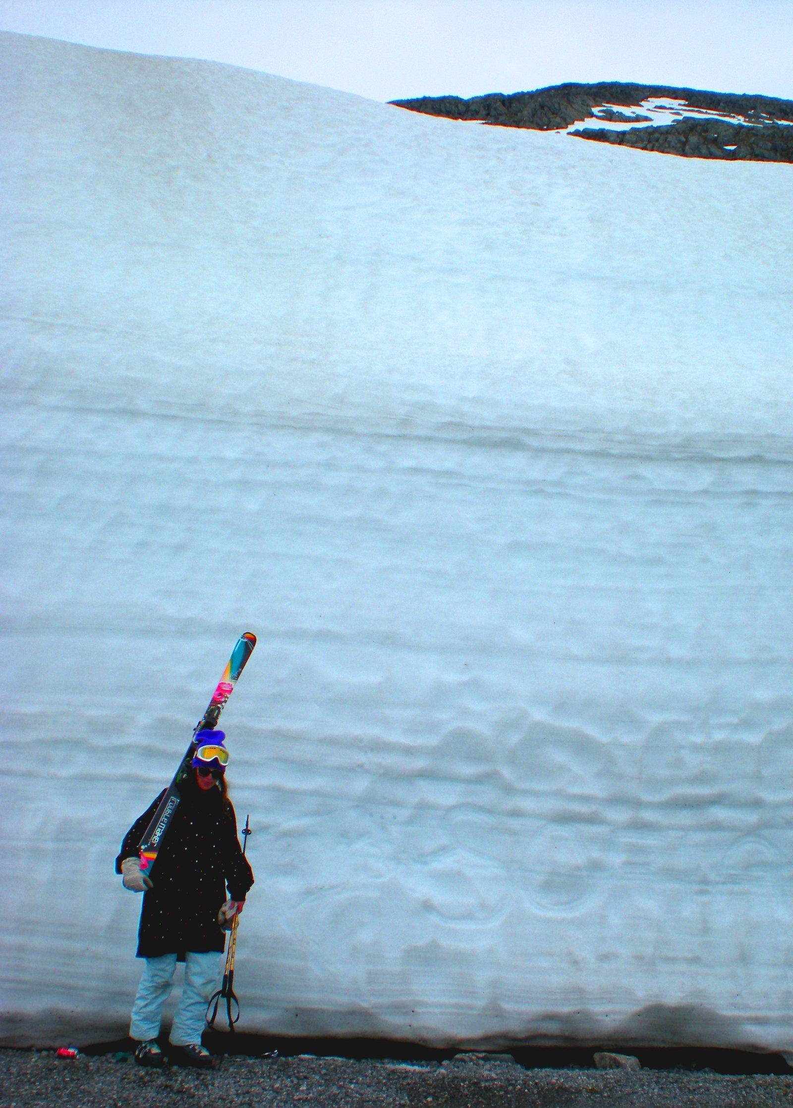 Sum shiet. sum snow.