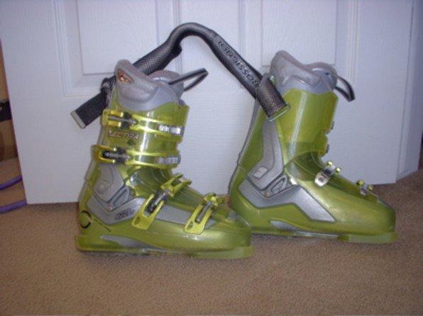 Women's Electra Rossignol Boots. 2008. 24.5