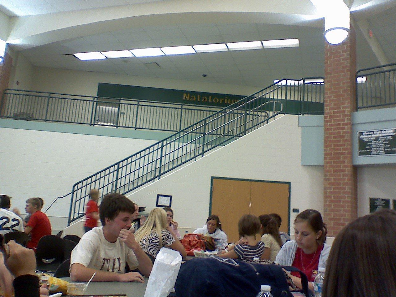 Rail n lunchroom