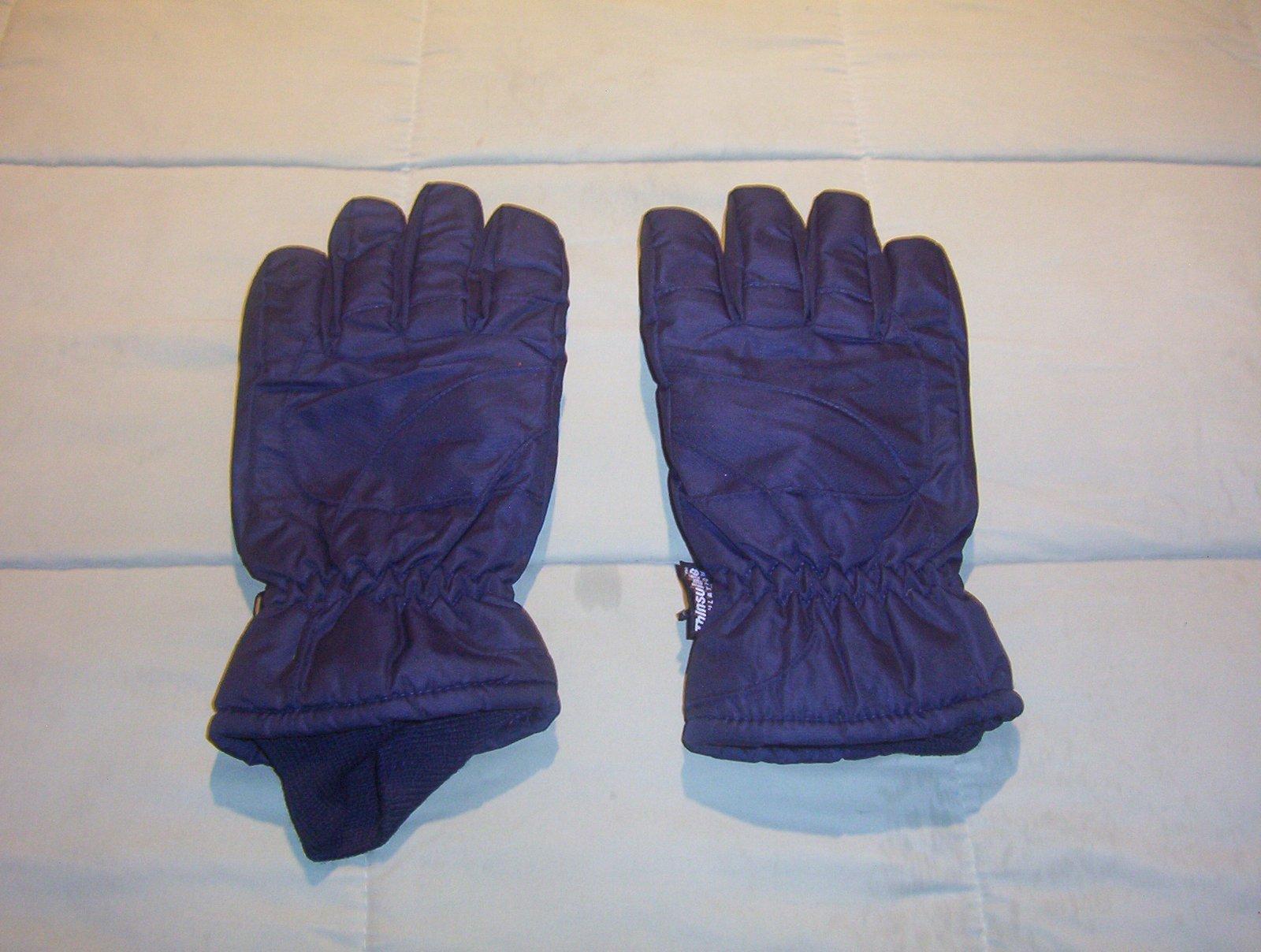 Navy Gloves 1