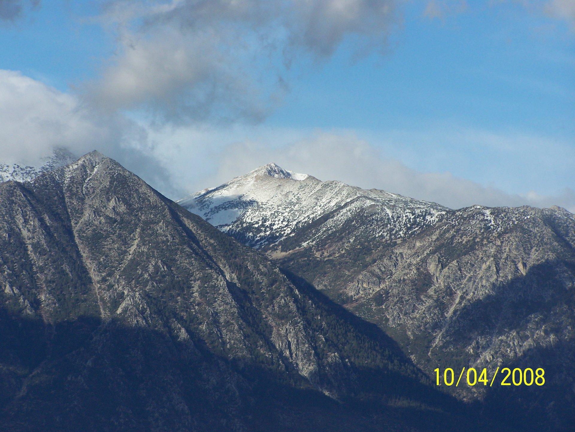 Sierra nevadas first snow of 08 october 3rd