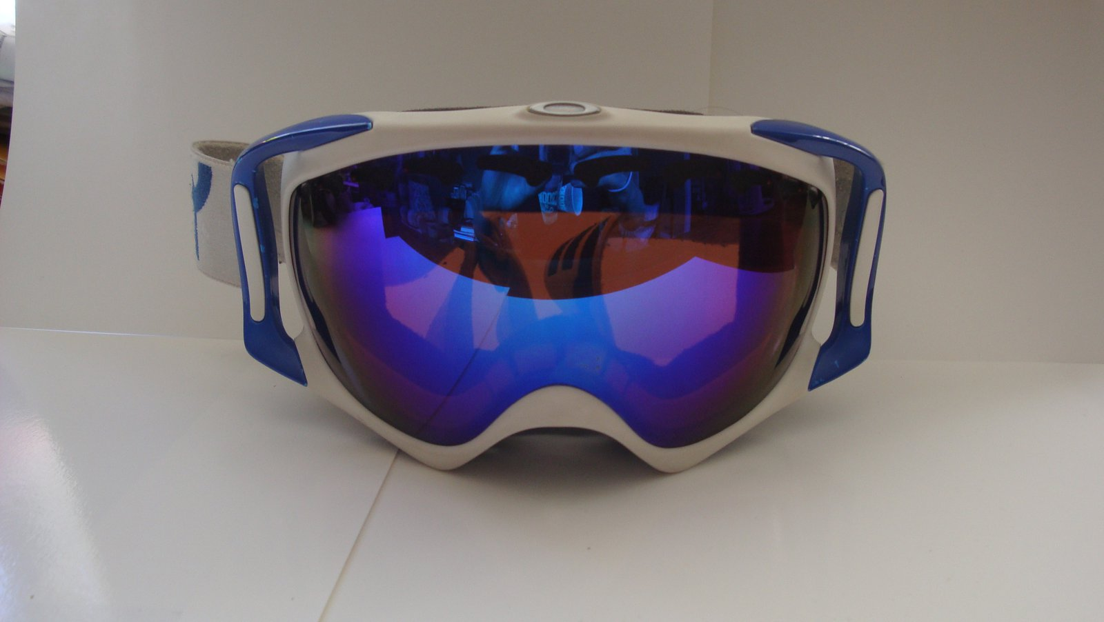 Custom Crowbars Blue/White Reto