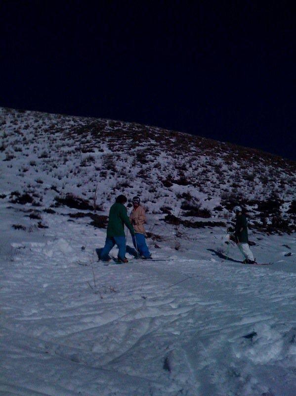 Friendlys skiing