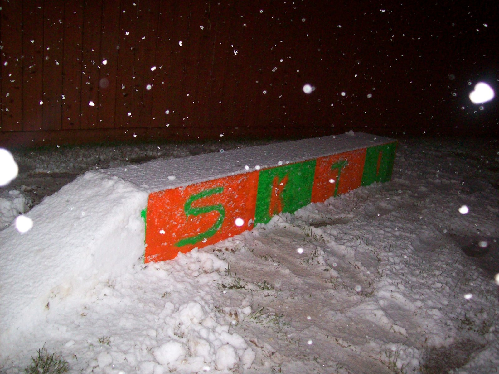 New box side 2... SKI!