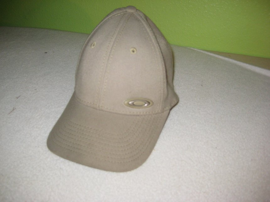 Old oakley hat