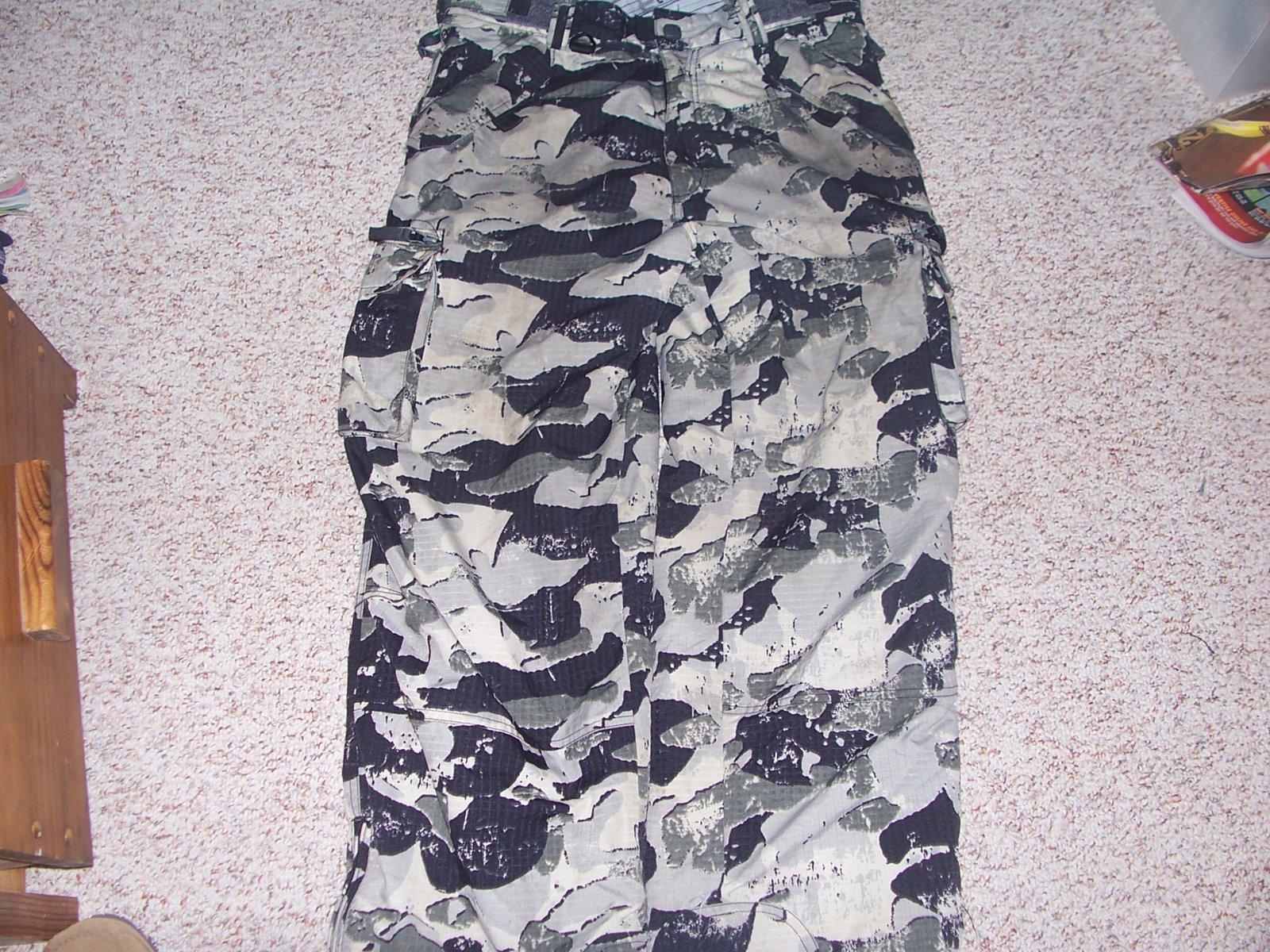 E408 Pants for Sale size lg