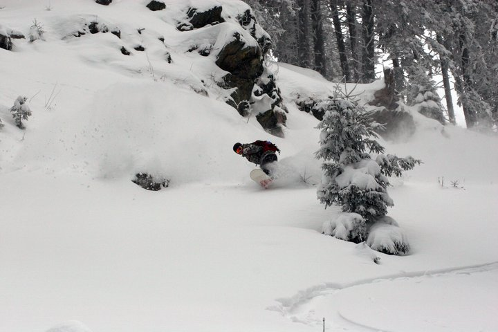 Snowboarder turn #2