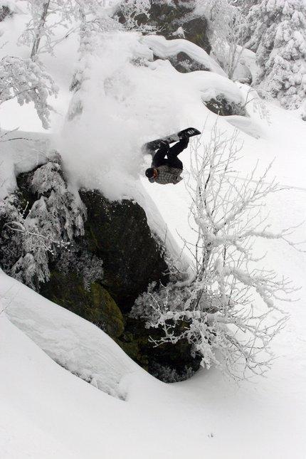 Frontflip off cliff
