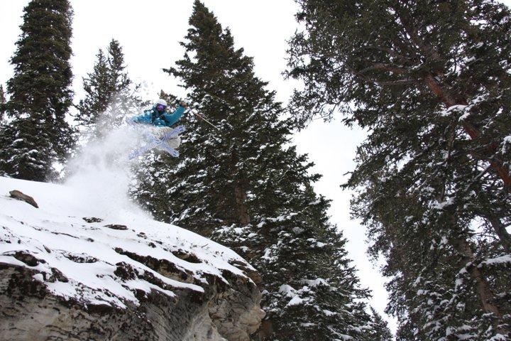 Skiing Pow