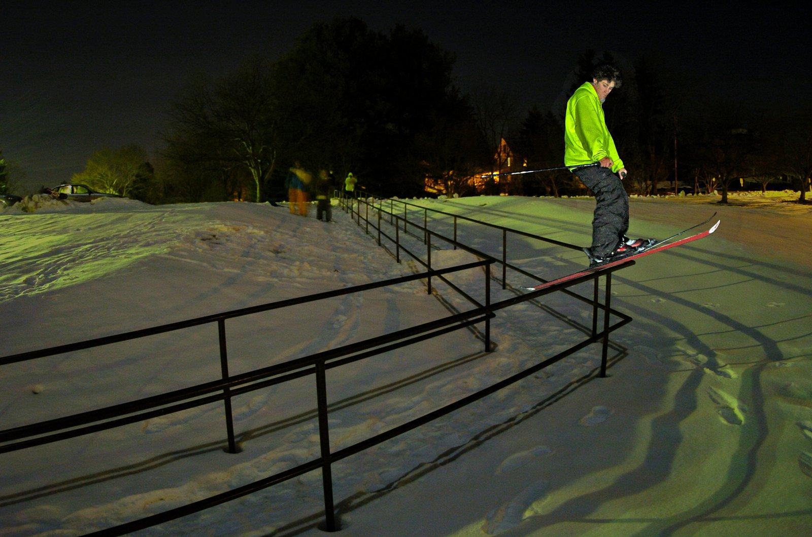 Urban Elbow Rail