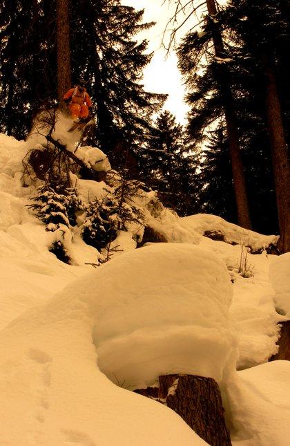 Takin air in thw woods