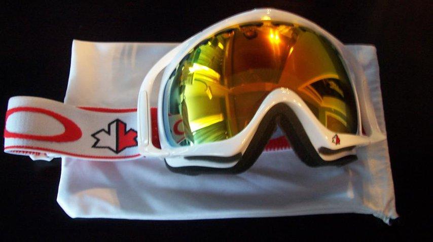 Oakley Crowbar Canada Edition Fire Iridium