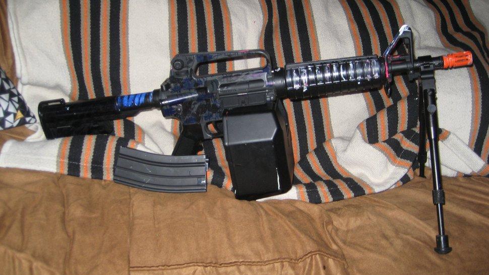 Guns alot - 1 of 2