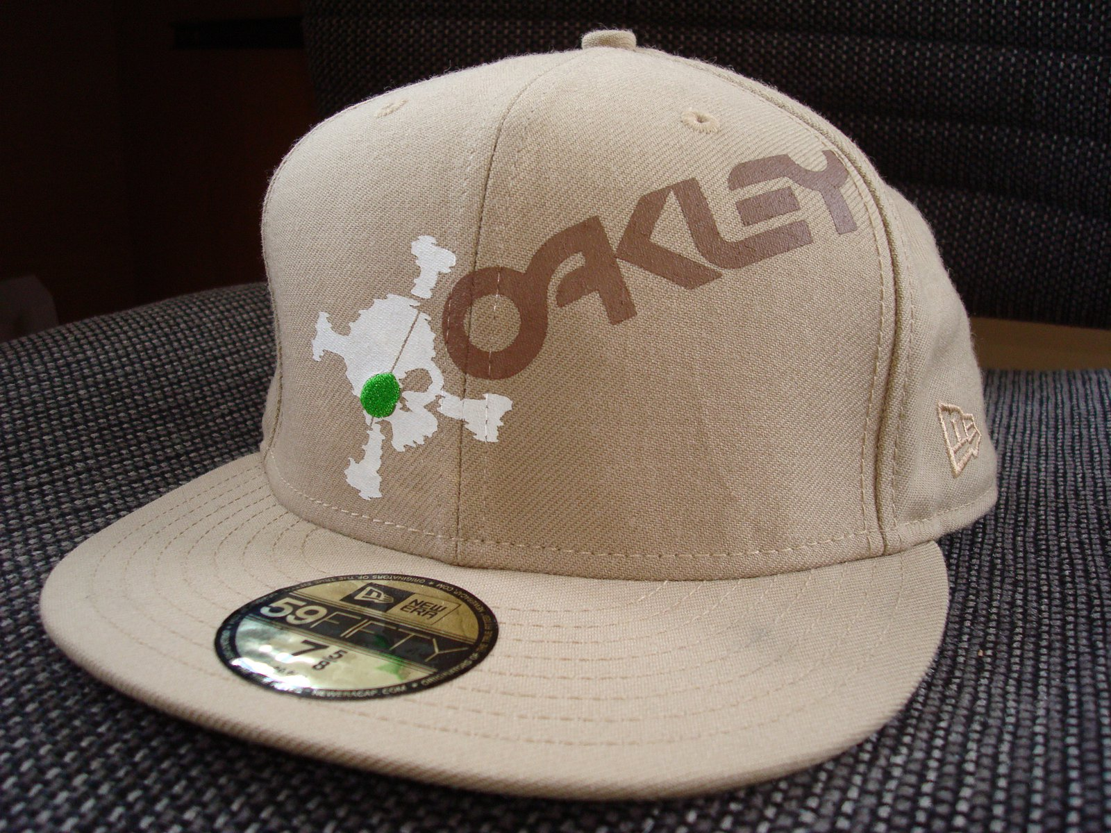 FS: Oakley Hat 7 5/8 New Era