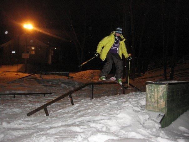 Skate park rail slayin