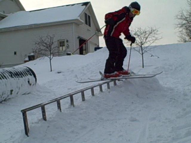 Back yard skiinig