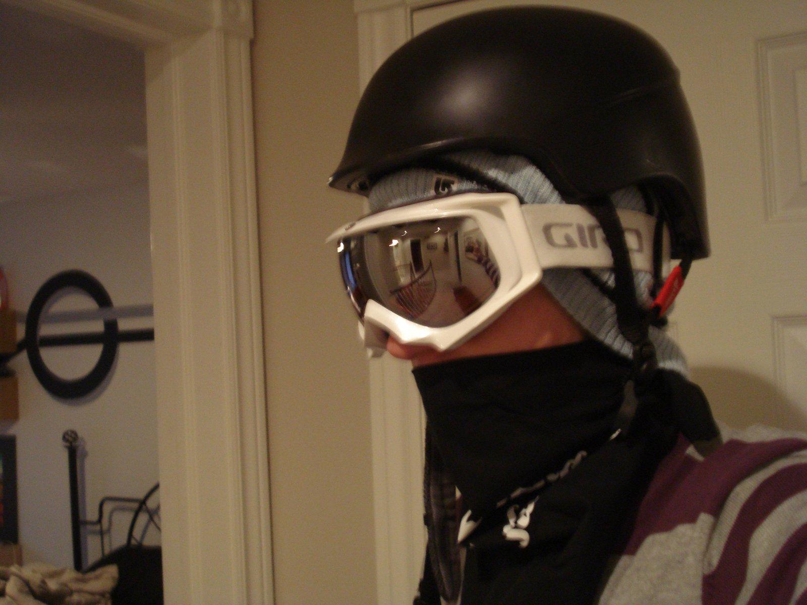 Helmet goggs2