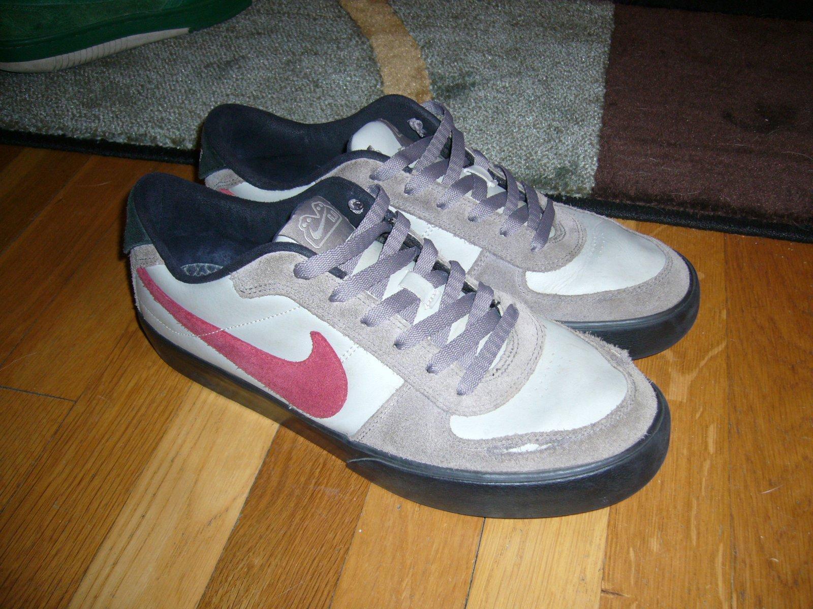 Nike (?)