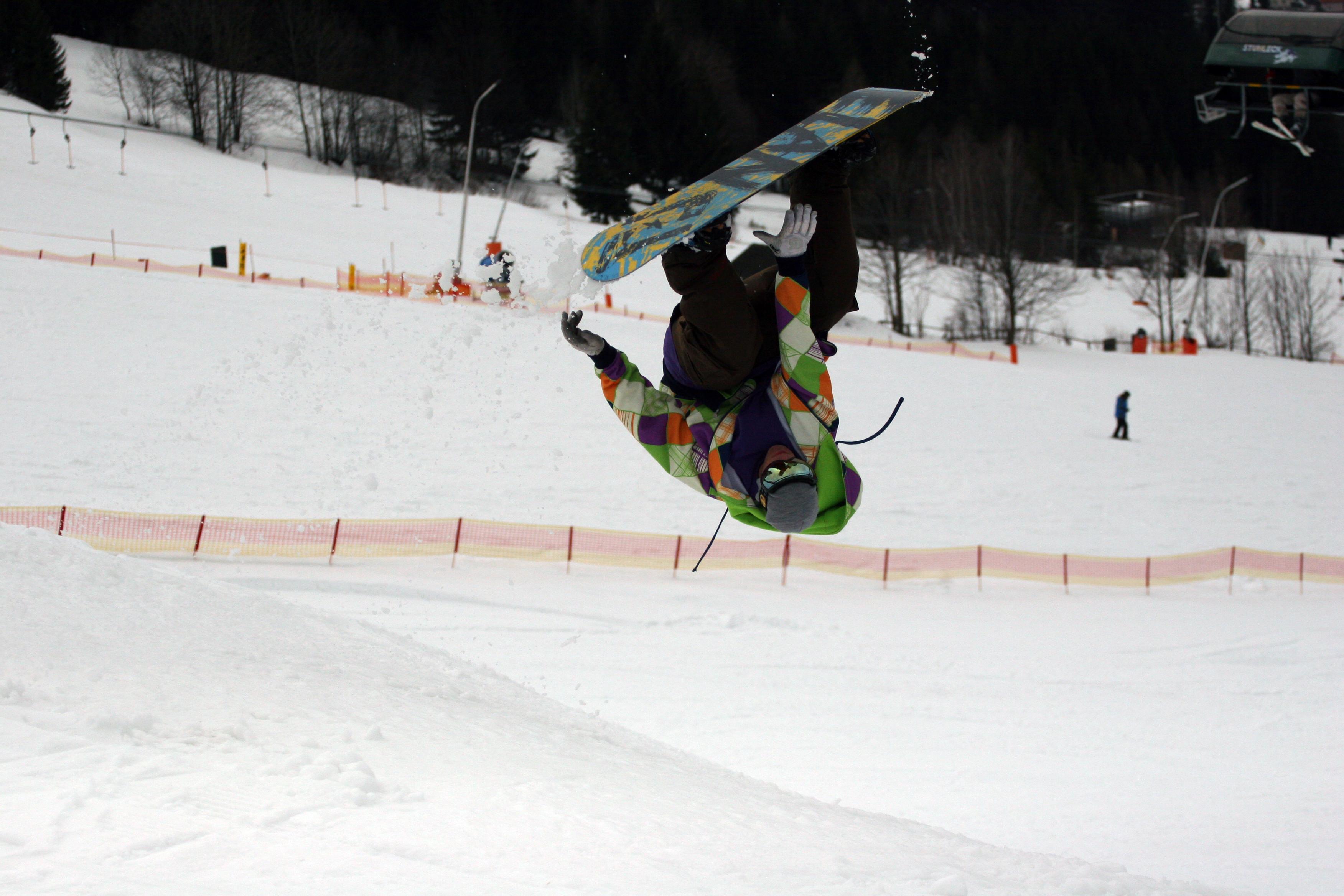 Snowboard frontflip #1