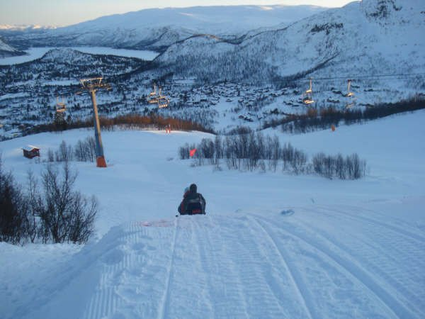 BOONE SKIS Norway trip - sleddin