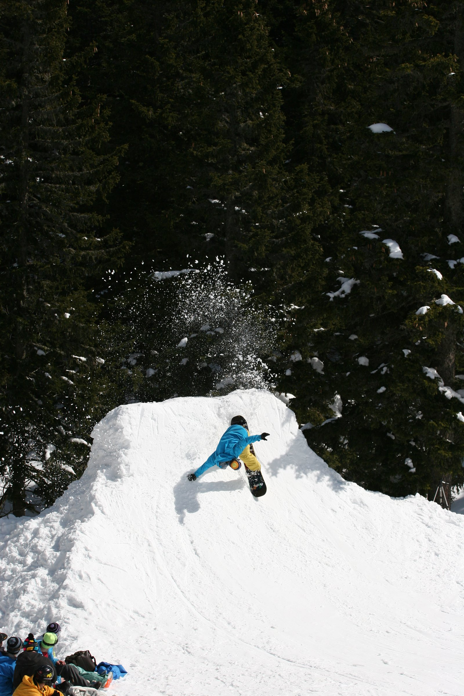 Snowboard spray
