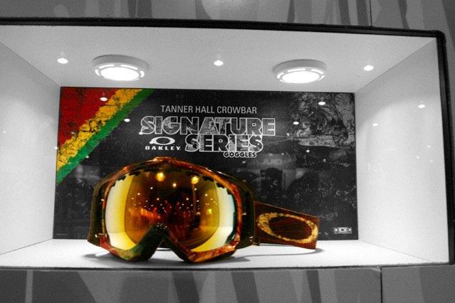 Colorsplash T-Hall 09 Oakley Goggles