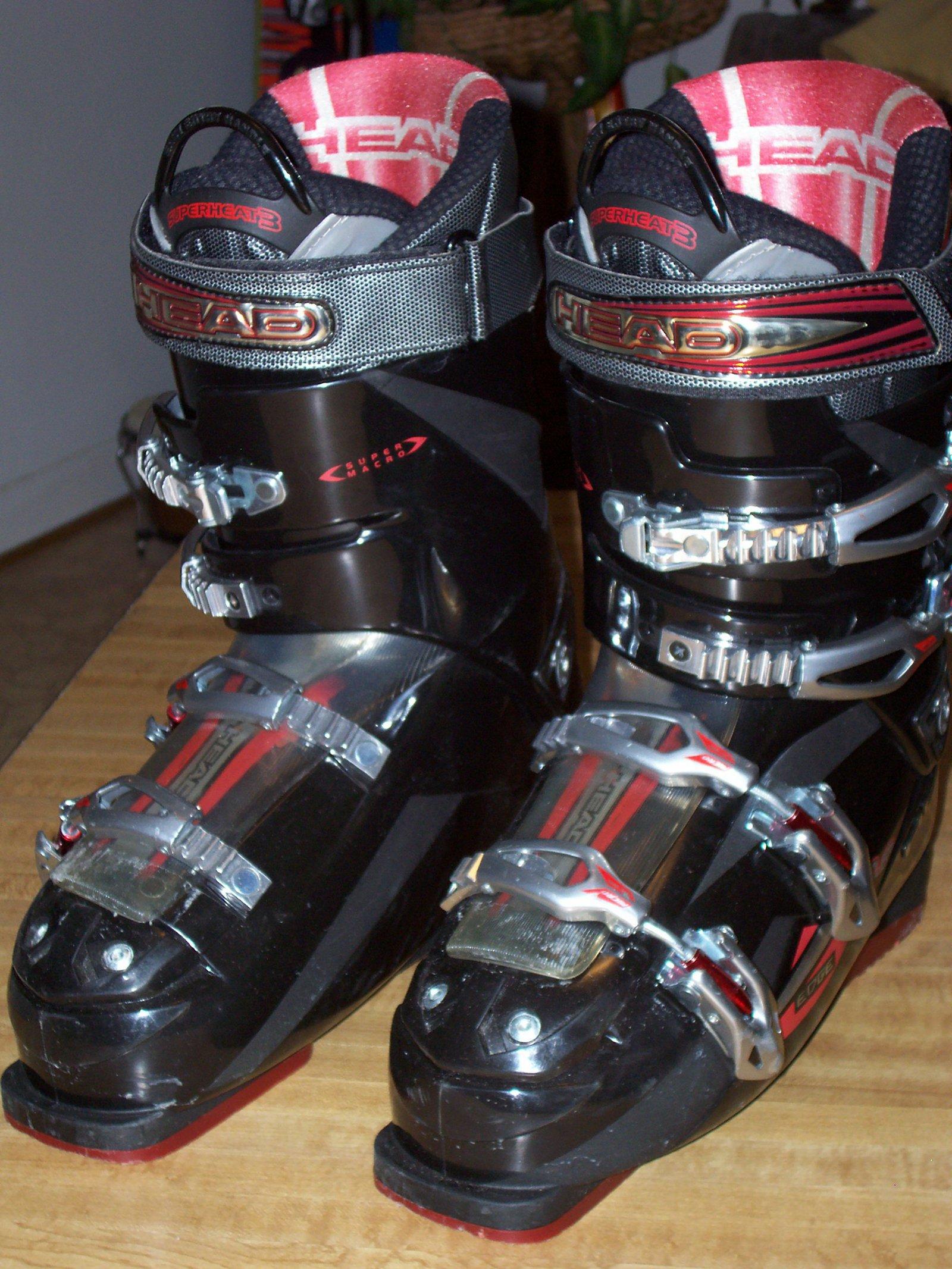 Head boots